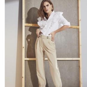 Super fede bukser fra den nye kollektion. Bytter ikke og handler over mobile pay:)