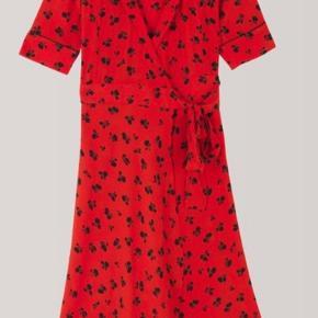 Ganni slå-om kjole i str. 38, Passer både small og Medium   Fin stand og uden brugsspor.