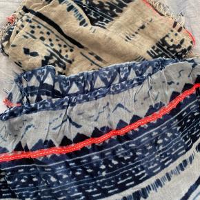 Fine tørklæder. To forskellige farver