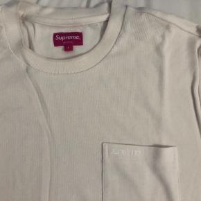 Købt Supreme online for 800kr. Har aldrig været brugt eller vasket!