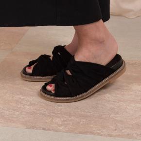 Ganni 'Anoush' sandaler. Brugt få gange, så standen er som ny. Størrelsessvarende.