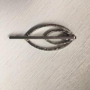 Vintage hårnål Ingen sten mangler. Mål: 6x2,5 cm