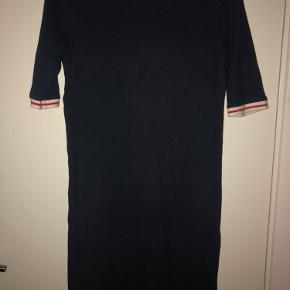 ADPT. kjole