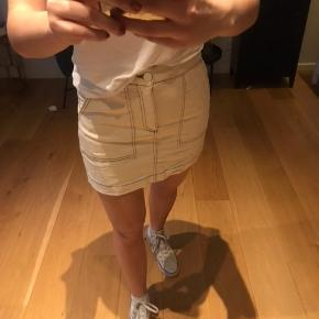 Fin nederdel fra Zara - aldrig brugt