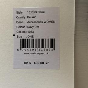 Fejl køb, helt ny Mads Nørgaard crossbody taske Bel Air, stadig med prismærke på, blå med hvide prikker. Ny pris 400,-kr.
