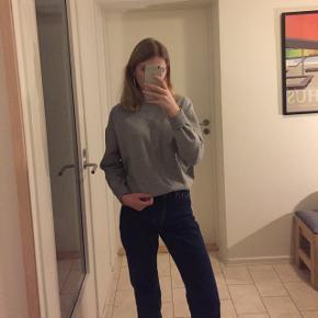 Fed basic grå sweatshirts fra H&M. Størrelse S. 💗