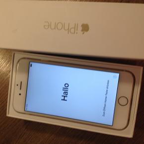 Rose gold iPhone 6 sælges, fungerer og har altid fungeret uden problemer. Nulstillet og klar til ny ejer Ridset bagpå (der kom sand bagpå coveret) se flere billeder for æstetisk tilstand, eller spørg blot Medfølger: Kasse + lader 256 gb
