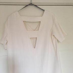 Fint sommer/konfirmations kjole