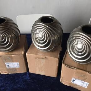 3 vaser fra Lene Bjerre - Fejlkøb  Kan købes for 250 kr pr stk eller alle 3 for 600 kr