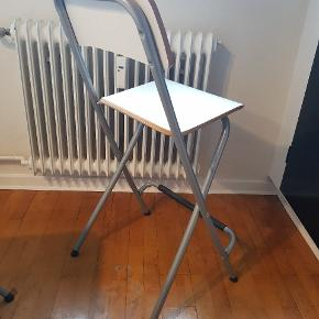 2 barstole til 150 per stk. I god stand