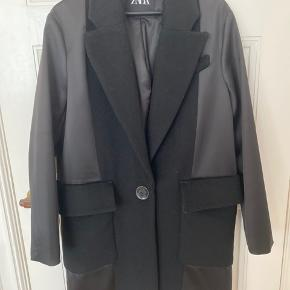 Oversized frakke med kæmpe lommer  Kan passes xs-large