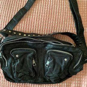 Har den her Alimakka Washed Leather  Den fejler ikke noget og er som ny   Nypris er 1.200  Mp 750