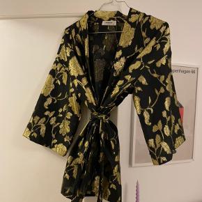 Moss Copenhagen kimono