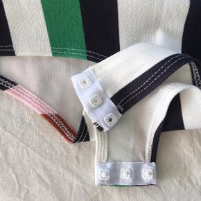 Smuk bodystocking fra NLY One - kan bruges både som badedragt og som top i fx jeans eller en nederdel ✨  Str S, passer ca str 36-38