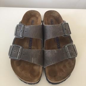 Kun brugt få gange Soft fodseng/blød sål/soft footbed Lækker fedt læder  Smal model