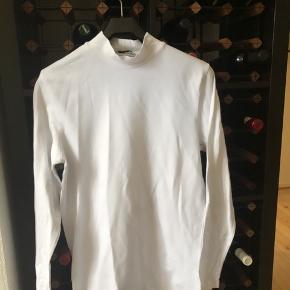 To trøjer fra Jack & Jones. Brugt højest 2 gange. 80kr for begge trøjer