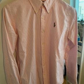 Ralph Lauren skjorte lyserød med hvide striber. Fitter str. S
