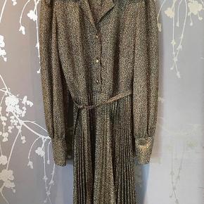 Vintage kjole i str. 36/38