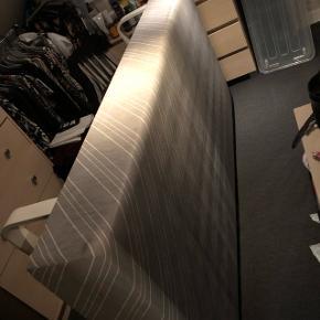Boxmadras 90 x 200Med hvide meder Fra røgfrit hjem