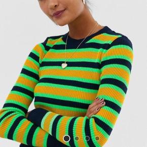 Asos sweater / strik trøje i striber, neon stil. Vildt fed :) købt for 250 kr, aldrig brugt.