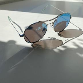 Blå-grønne solbriller 😎
