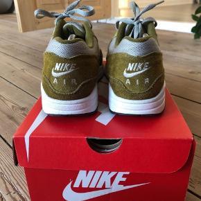 Model: Nike Air Max 1 Premium Retro Str 41