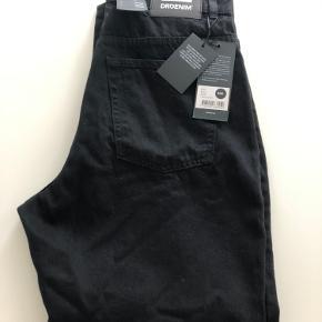 DrDenim jeans. Sort. 32/32. Sky High - Regular - Relaxed. Kan sendes mod betaling af porto kr. 40,00 med DAO.