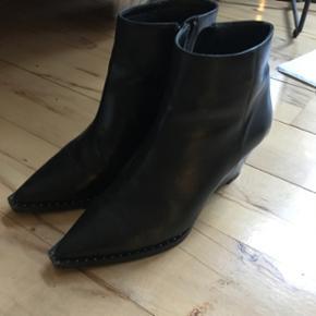 Gardenia støvler sælges. Brugt få gange så ingen tegn på slid