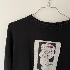 Sælger denne na-kd sweatshirt.  Byd💛
