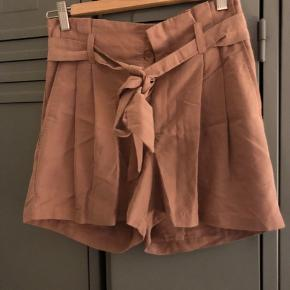 #Secondchancesummer.  Fine shorts. Fremstår uden særlig slitage eller brugstegn.