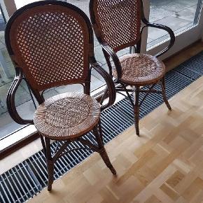 2 flotte bambusstole i caféstil. Prisen er for begge. Kan evt. leveres på Sjælland mod en lille ekstrabetaling.