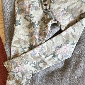 Moca Clothing bukser