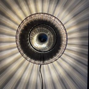 Design By Us væglampe
