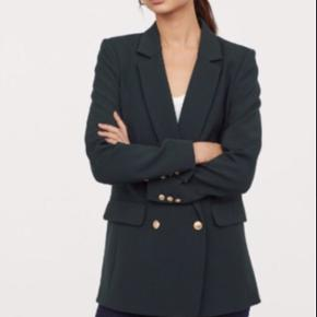 Oversize blazer fra H&M str 32. Sælges for 205kr plus porto