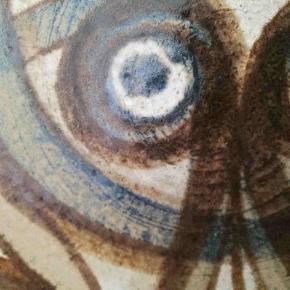 2 store helt fantastisk flotte stykker porcelæn fra Søholm. Fad og skål.  Står fejlfrit. Billederne gør desværre ikke fadene ret.. 😕  Se også alle mine andre annoncer med mærkevarer af høj kvalitet og stand til vanvittigt lave priser.  Keramik antik retro Axella Kähler Royal Copenhagen Knapstrup skåle fade