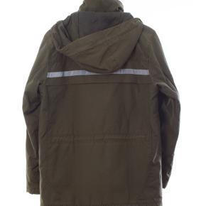 Helly Hansen jakke Str S Stand: næsten som ny 299 kr.