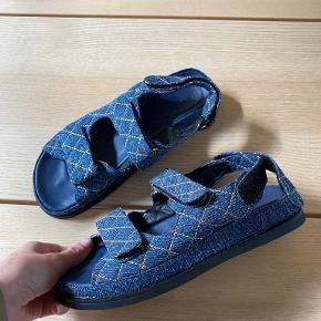 Phenumb sandaler