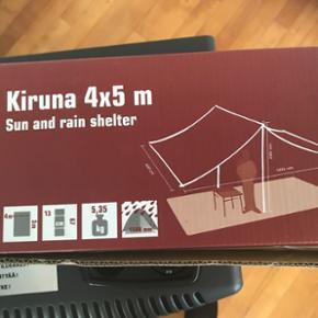 Et helt nyt solsejl, vandtæt 4x5 M  Mange anvendelse muligheder. har aldrig været brugt