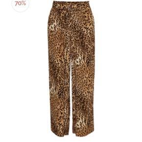 Leopard bukser fra Gestuz. Str S. Afhentes i Aarhus. Byd :-)