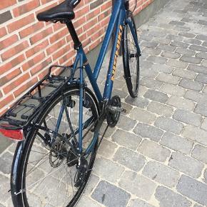 56 cm. Velholdt cykel, sælges da den er købt for lille.