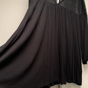 Smuk oversize bluse fra hm plus kollektion str XXL