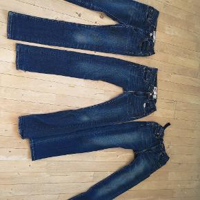 Skinny Lewis jeans sælges 100 kr pr STK, eller byd