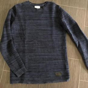 Super flot Just Junkie bluse 😁  Brugt 4 gange - er lige som ny 📌 Skøn kvalitet. Nypris 449kr