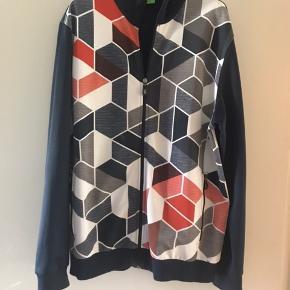 Hugo Boss zip sweatshirt. Aldrig brugt.