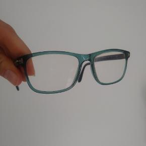 Tom Ford brillestel  Grøn/turkis semi transparent  Mine glas sidder i nu, men kan nemt tages ud og udskiftes til din styrke hos optiker