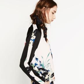 Cool jakke fra Zara. Brugt få gange.