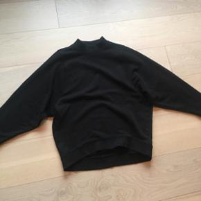 Monki sweaterXS men oversized Kun brugt 2 gange