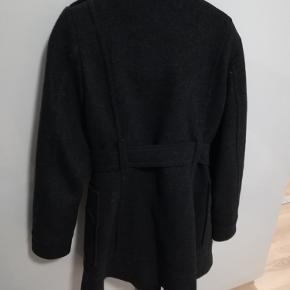 Fin jakke fra H og M fejler ikke noget.