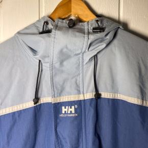 Vintage Helly Hansen i lyseblå😍 Fin stand