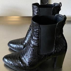 Super flotte croco støvler...  Bytter ikke...